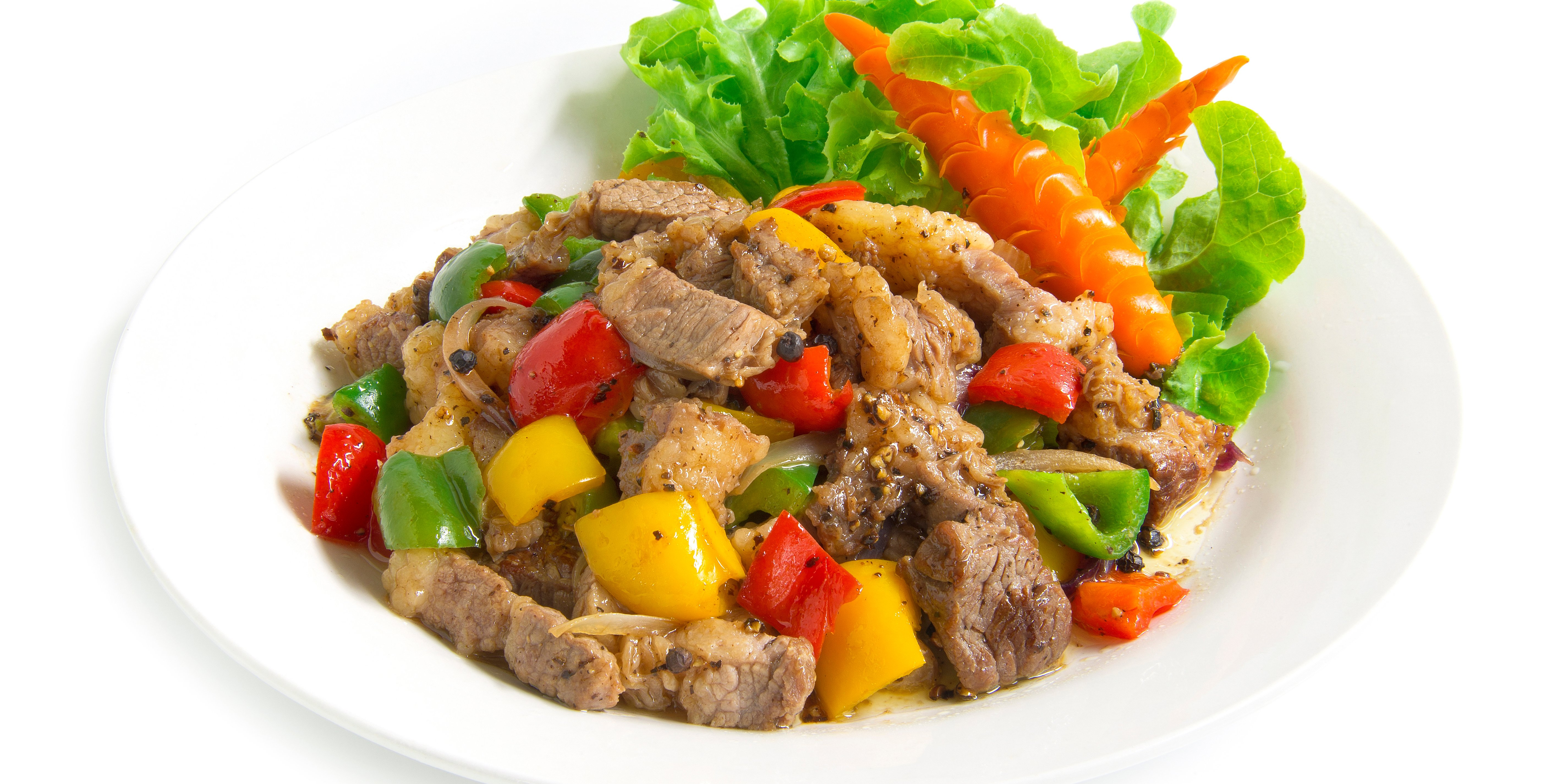 steak bowl with peppers and lettuce