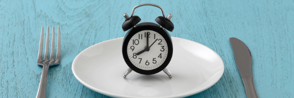 clock on hite plate